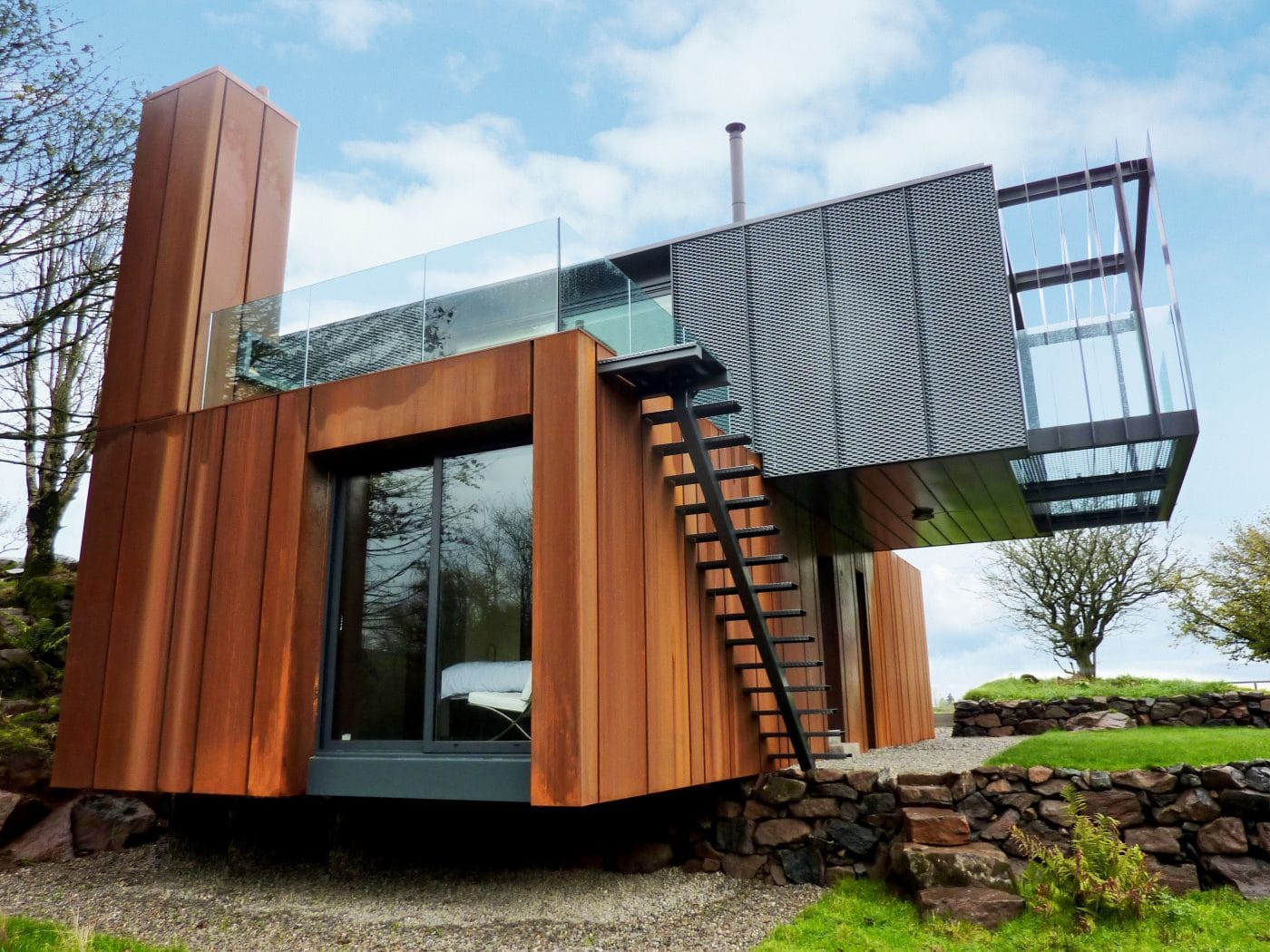 Grand designs shipping container home by patrick bradley for Design of building house
