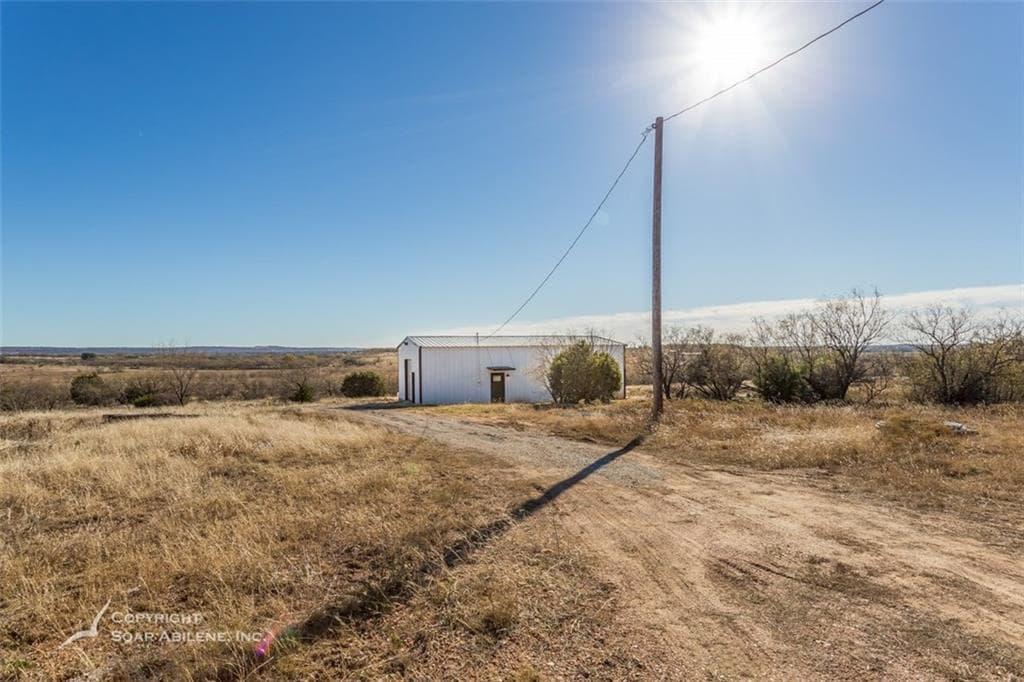 Ovalo TX 10 acres 1bed 1bath Barn House