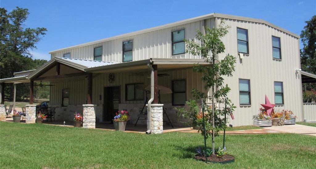 Brenham, Texas 3bed 3bath Traditional Barndo House