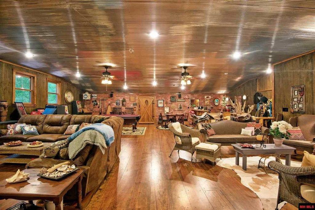 Ash Flat Arkansas 2bed 2bath Barn Home On 30 Acres