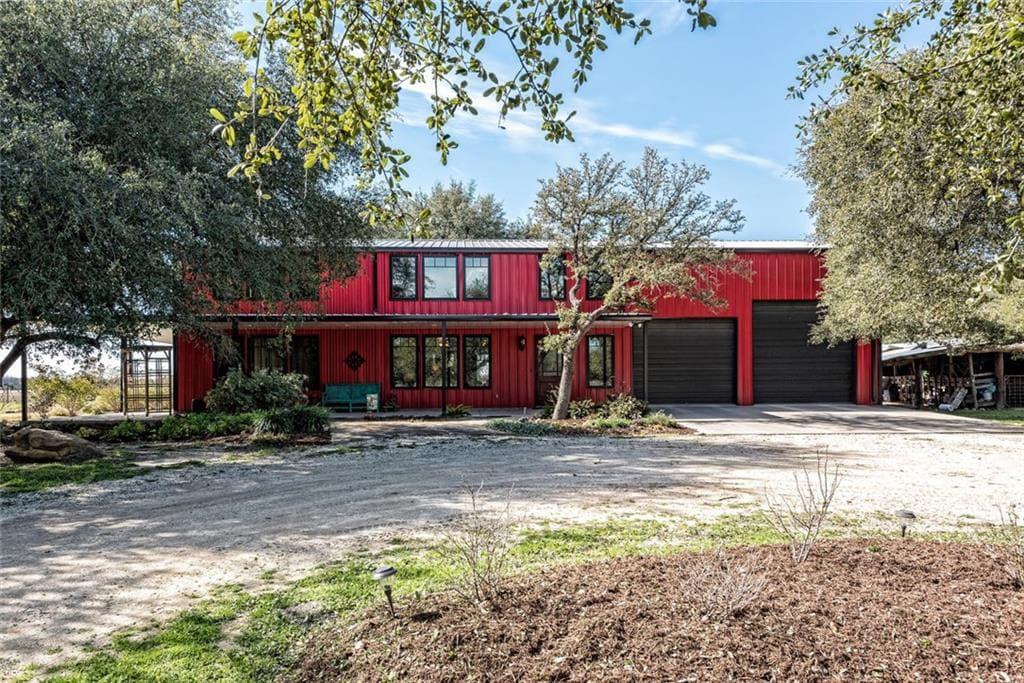 Crawford, Texas Luxury Barndominium Estate With 125 Acres 6,992sqft 4bed 4bath