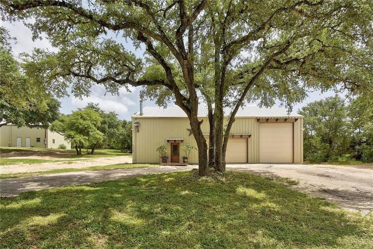 Leander TX Barndominium For Sale