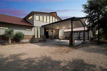 Lockhart, TX Barndominium