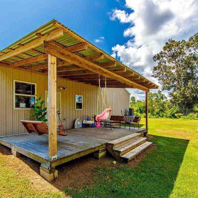 Larose, Louisiana Barn Home