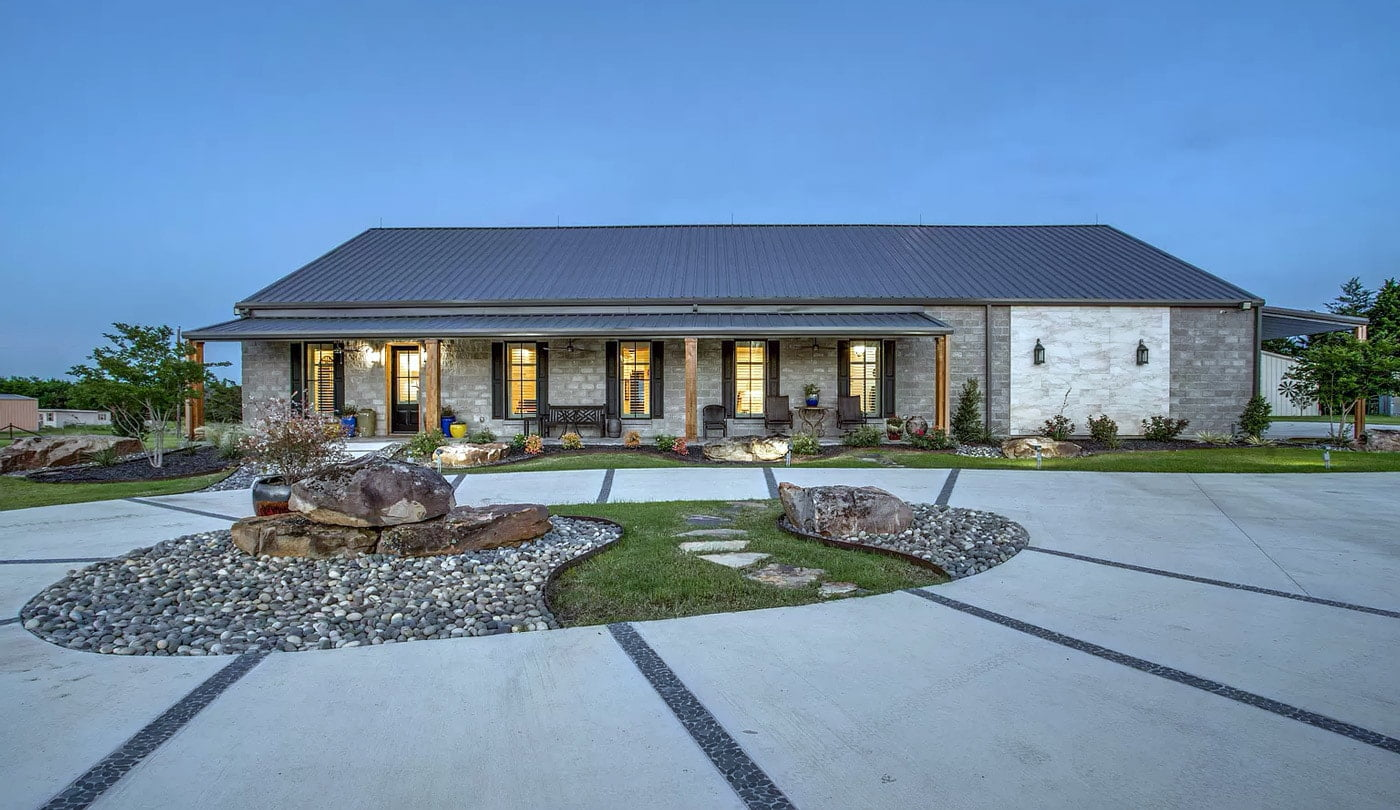 Chatfield, Texas Custom Barndo For Sale