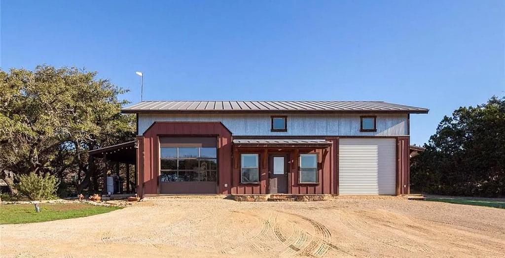 Wimberley, Texas Barndo For Sale