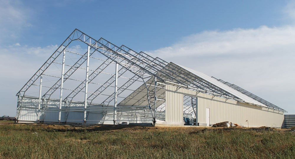 clear span building