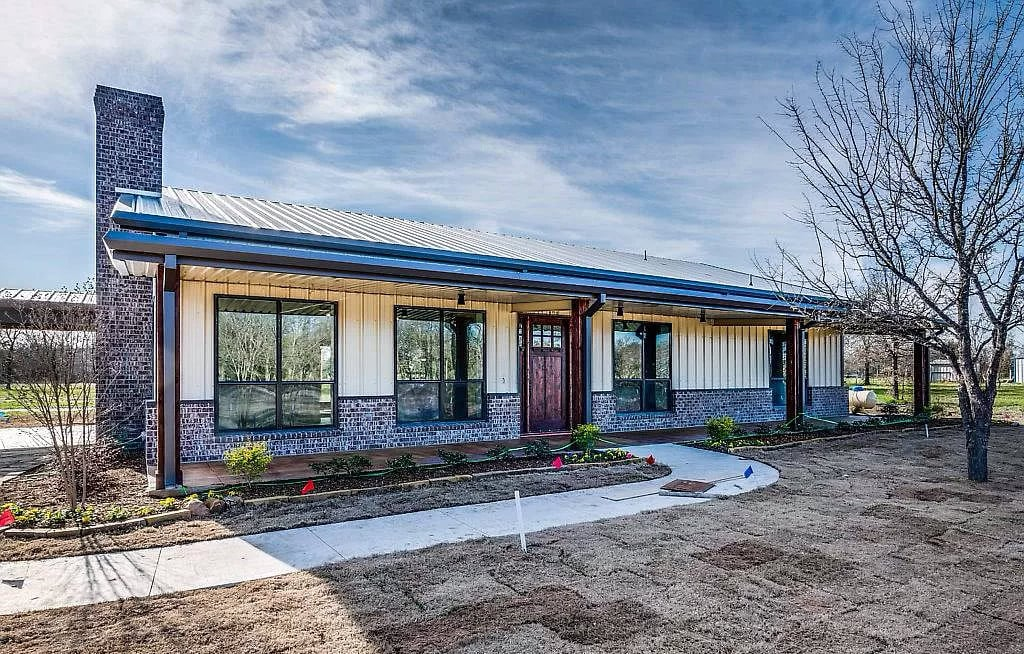 Ennis Texas Custom Steel Frame House For Sale