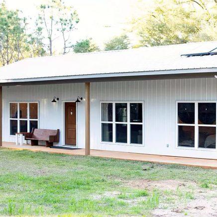 Kinston, Alabama Barn House