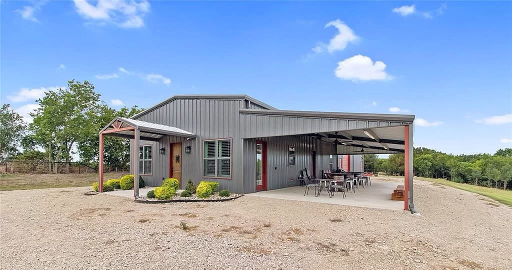 Malone, TX 66-acre ranch with custom barndo