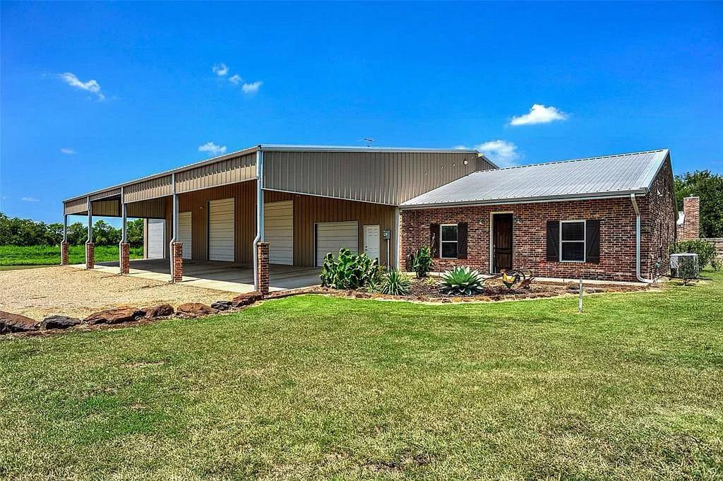 Sherman, Texas Metal Home with Brick