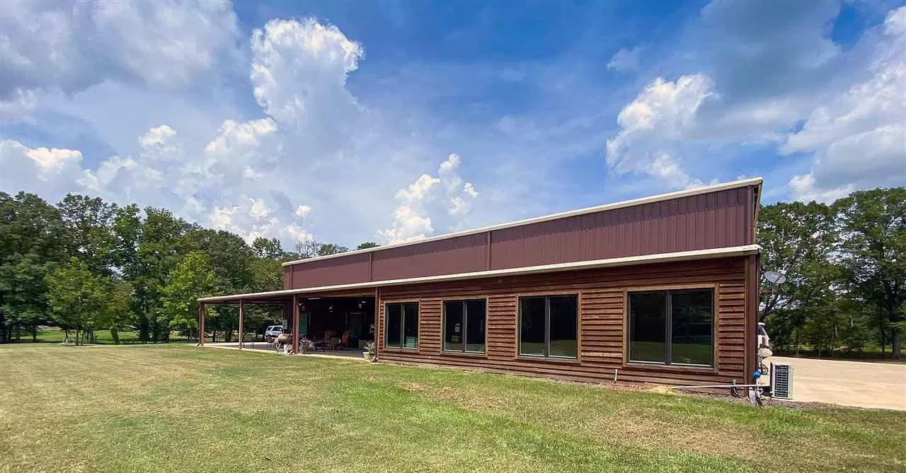 Florence, Mississippi Metal House