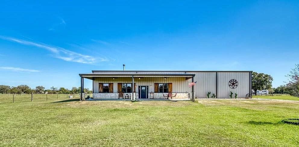 22273 Chapman Rd, Hempstead, TX 77445