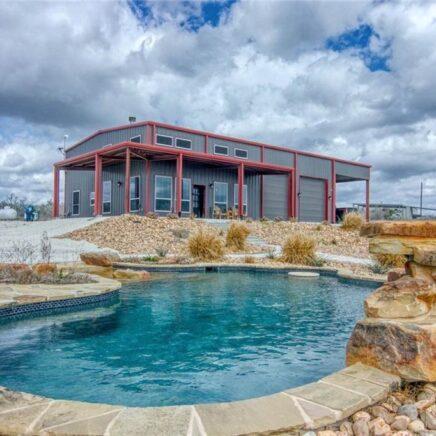 Sandia, Texas Metal House
