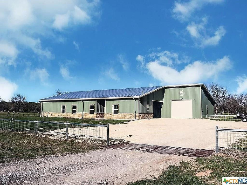 Gatesville, TX Green Metal House For Sale