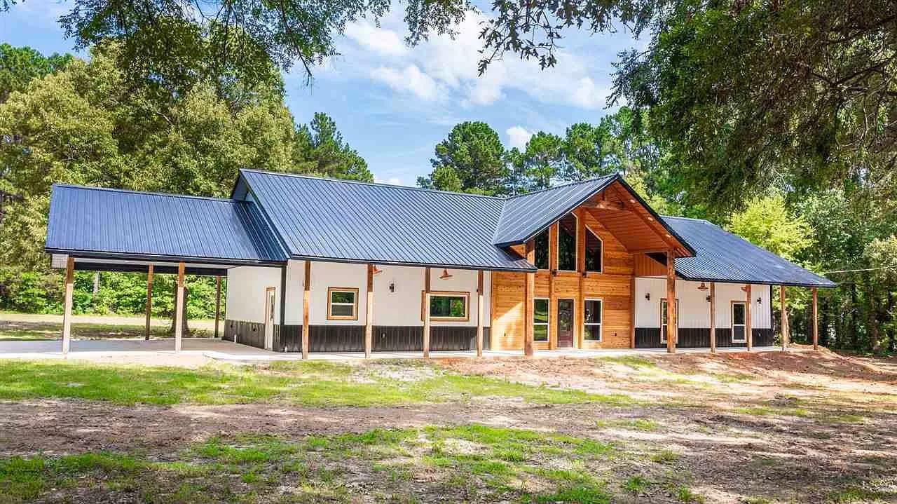 Diana, Texas Metal House For Sale