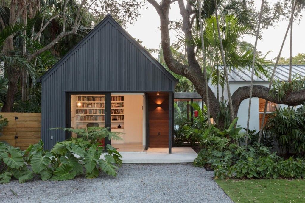 metal bungalow house 1