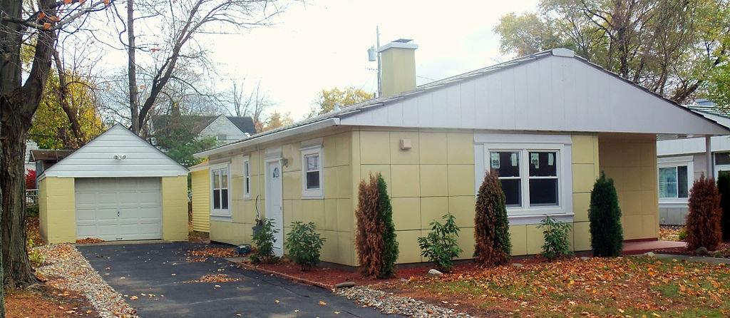 Albany, New York Lustron House
