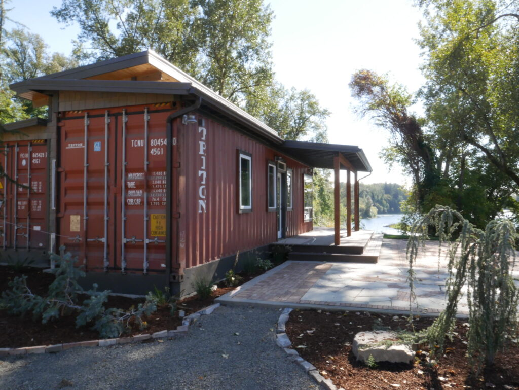 The De Lux Container Home